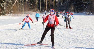 «Лыжню России» в Берёзовском открыл Александр Бессмертных