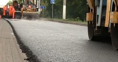 В Берёзовском начался ремонт дорог