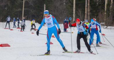 Более 400 берёзовцев пробежались по «Лыжне России — 2019»