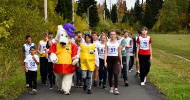 Дети пробежали километр, агитируя за ЗОЖ