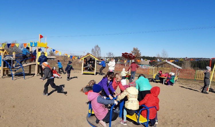 В Барзасе открылась игровая площадка с оборудованием для воркаута