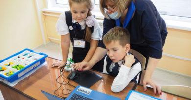 Школьники в Берёзовском будут изучать робототехнику