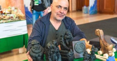 Выставка мастера уникальной в России специализации – резчик по углю